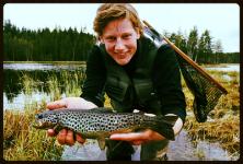 Bjørn liker best å fiske småfisk i nordmarka